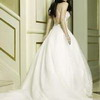 穿婚纱的女人